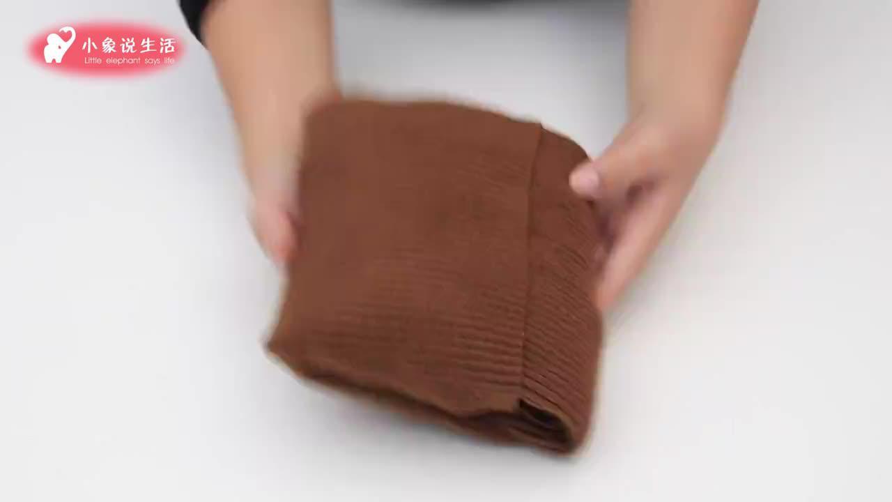 大衣别再直接放衣柜,准备一个枕头套,大衣收纳整齐又防脏,厉害