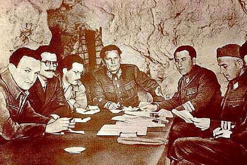 二战后,铁托为什么和苏联决裂了呢?