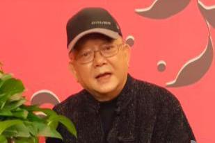 网曝王刚住四合院,身价超10亿?本人回应:都是租的,我不是和珅