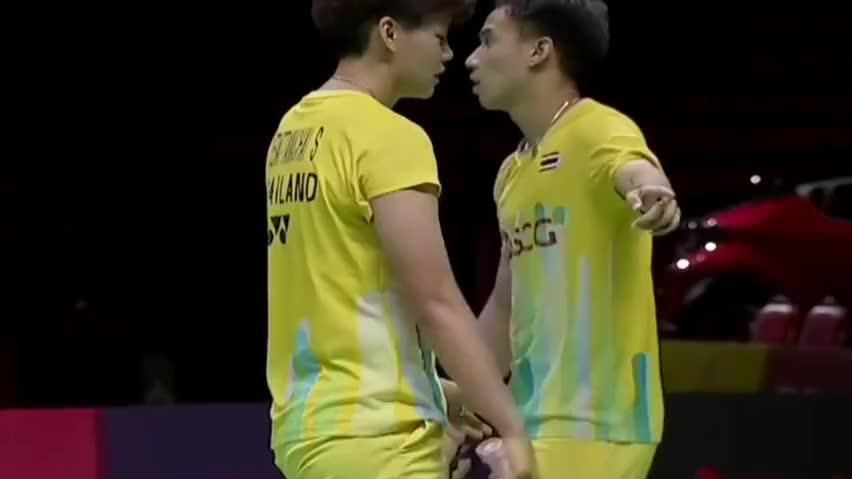 羽毛球:黄东萍绝妙假动作骗过对手