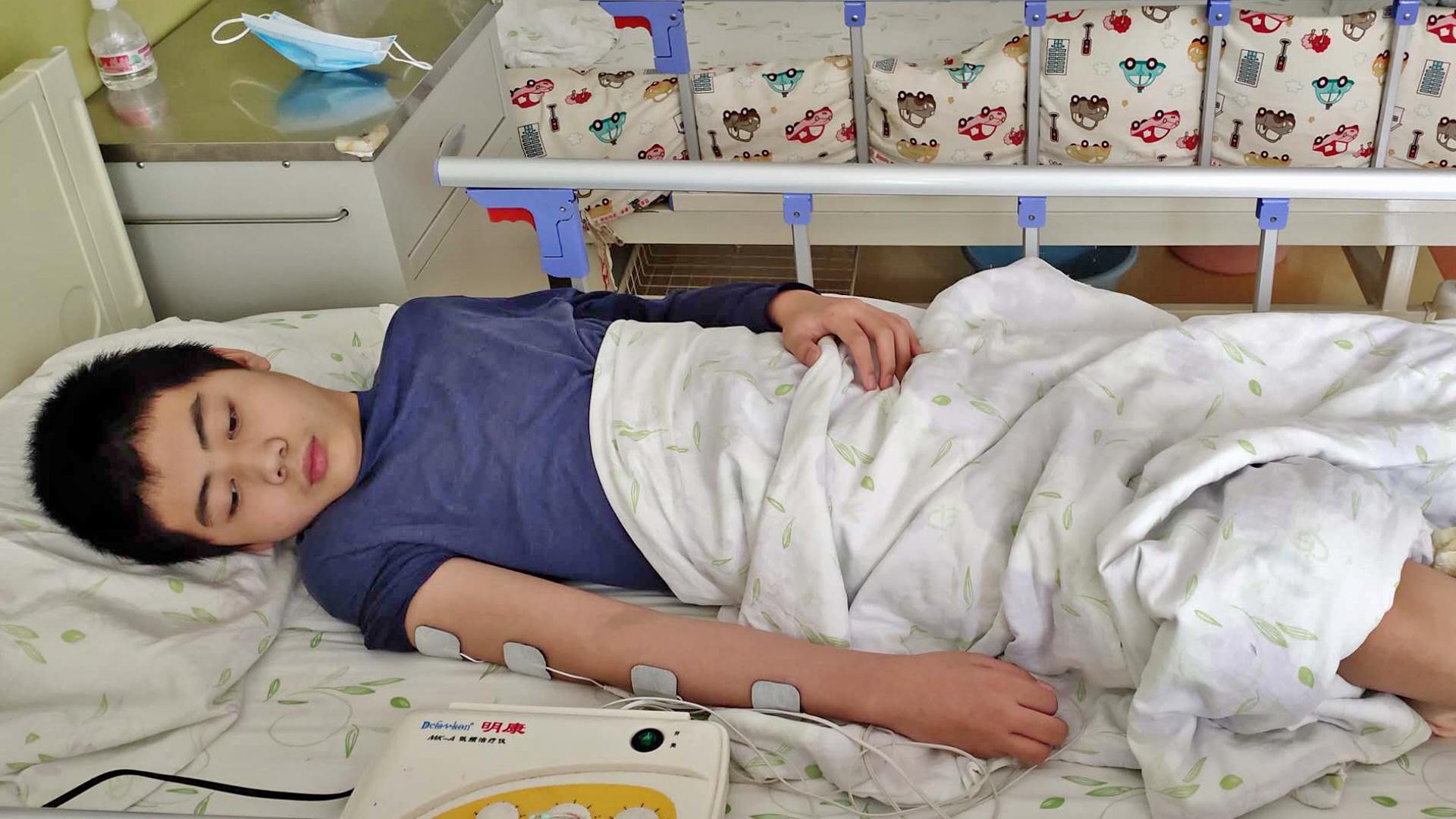 13岁男孩因脑瘤突发脑梗,留遗言:如果我死了,想把眼角膜捐了