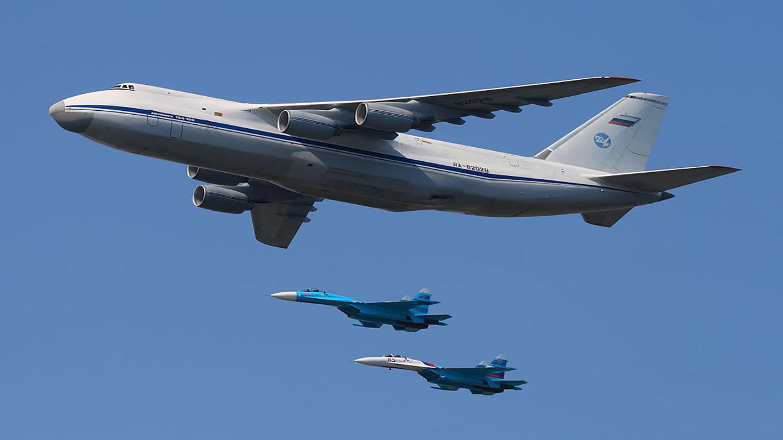 """俄安-124运输机将装垂发系统,变身""""空中驱逐舰"""""""
