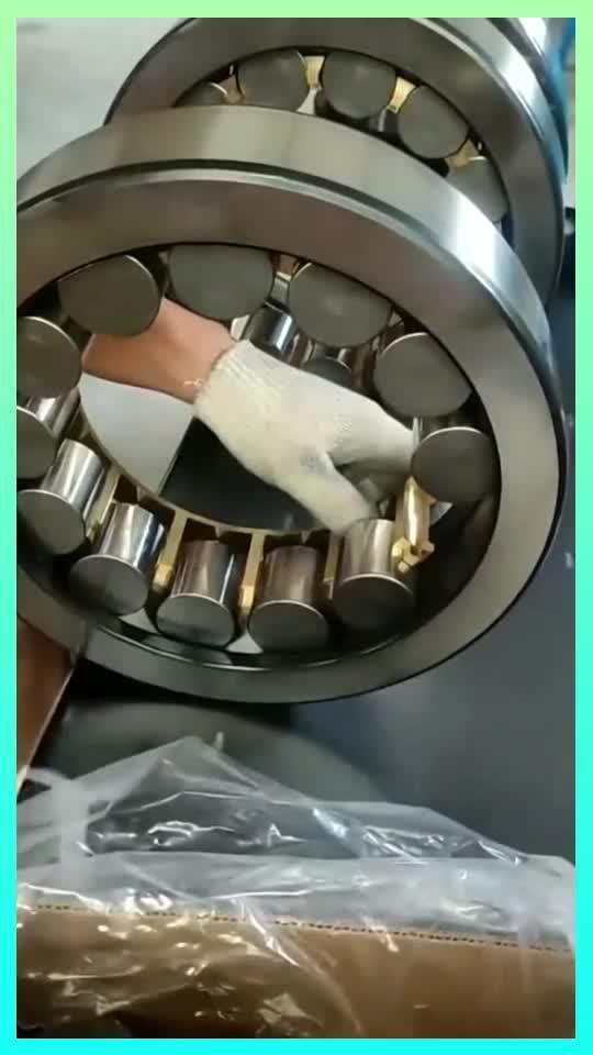 圆柱滚子轴承,钢珠紧密结合,居然是纯手工安装的