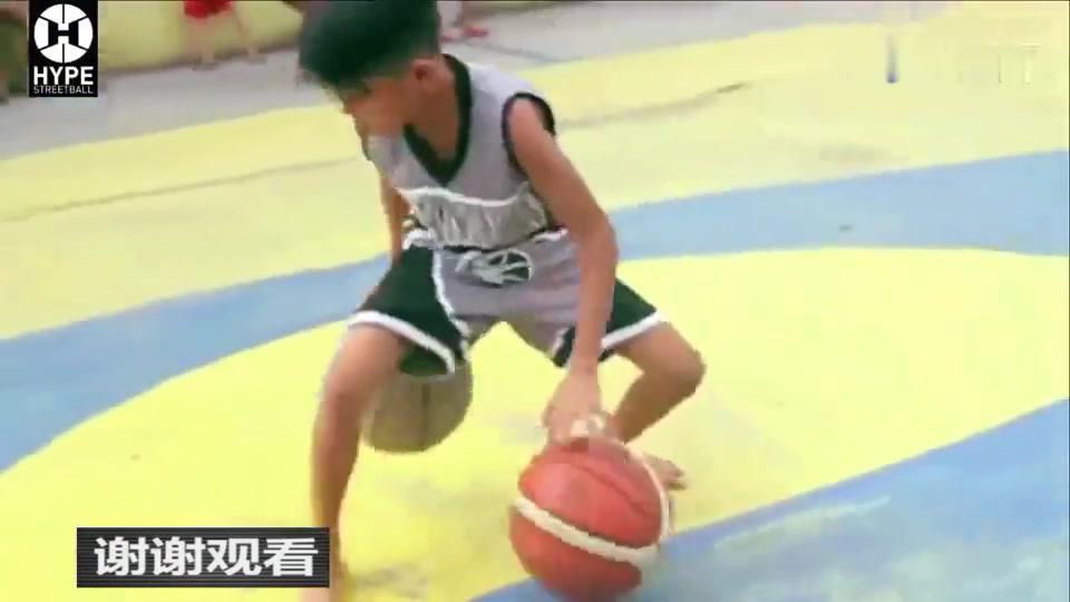 菲律宾9岁少年欧文酷爱街球,满屏暴强控球技!
