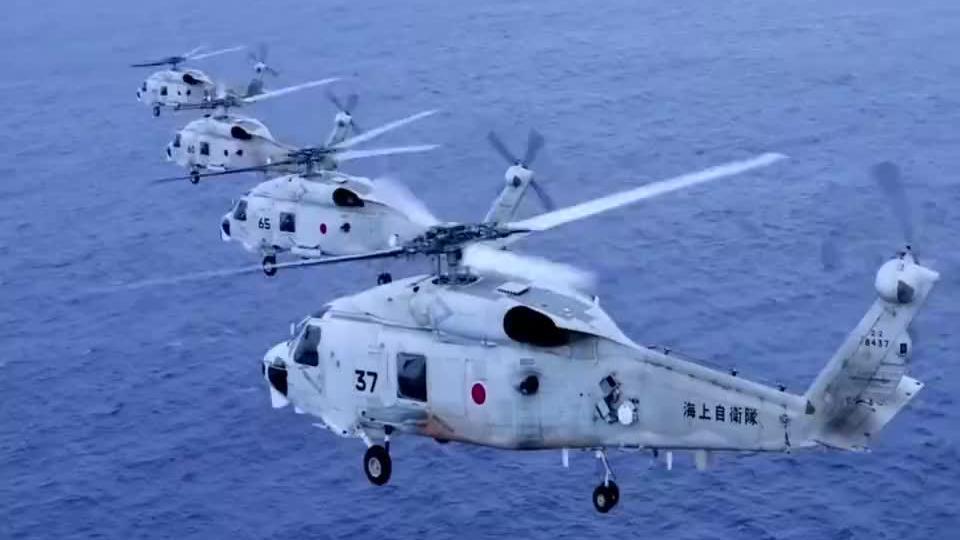 普京终于要出手了?2艘俄军舰突然挺进敏感海峡,日战机全程护航