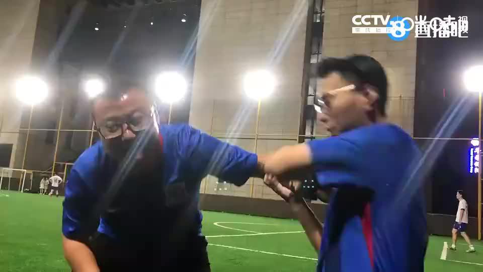 感谢每一个默默为中国足球付出的人,包括屏幕前的你。