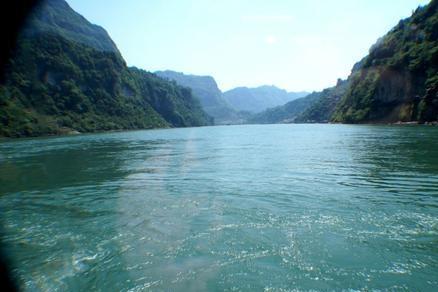 历史上长江多次挡住北方军队南下,黄河为什么一次也起不到作用