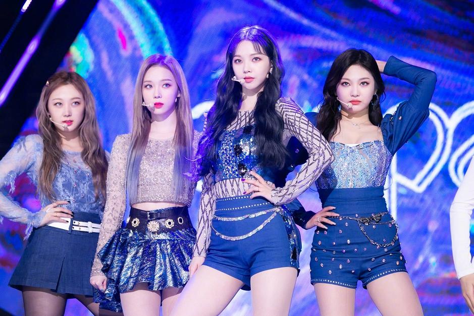 亚洲流行音乐大赏,粉墨、EXO最佳海外团体,SM新女团最佳新人