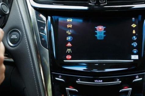 最新版本玩的判断红绿灯?自动驾驶系统有望升级