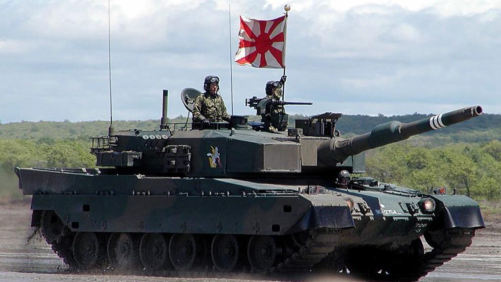 中国15式轻型坦克与日本10式主战坦克对比:一个天上一个地下!