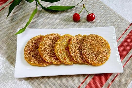 南瓜营养丰富,做成南瓜饼,口感软糯香甜