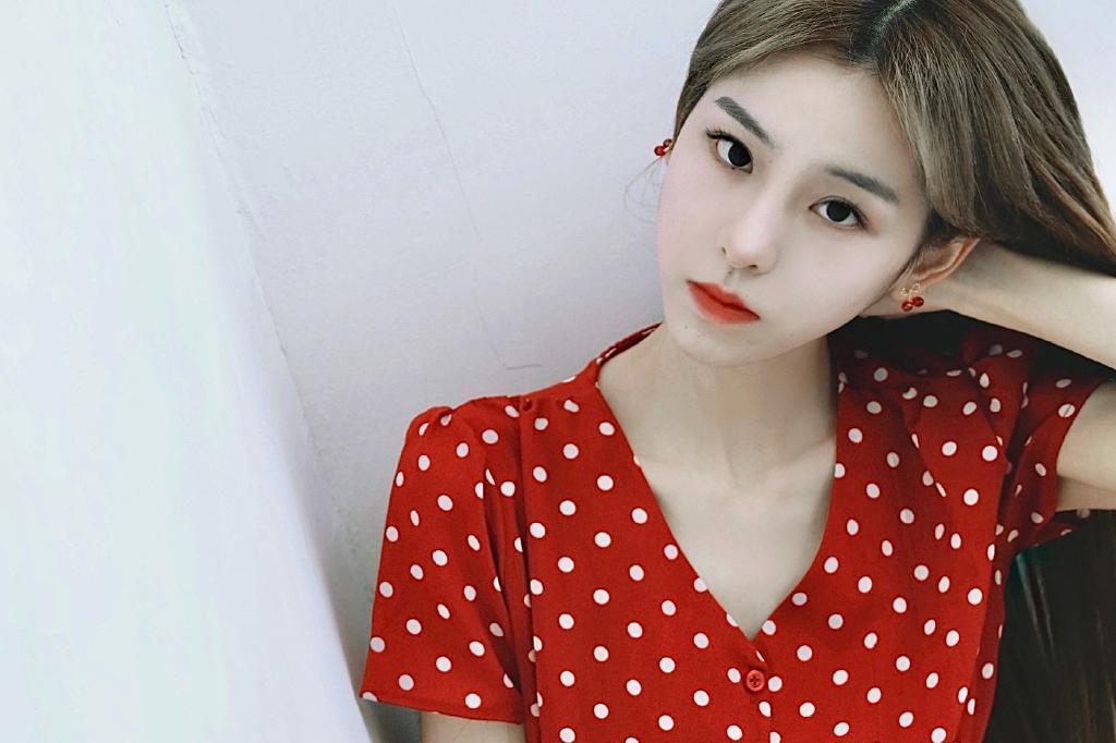 网红美女艺人陈子蜜迷人写真美照好看啊