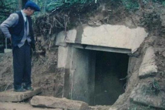 李鸿章墓被打开后,到底有什么陪葬品,有没有传说中的金山银山?