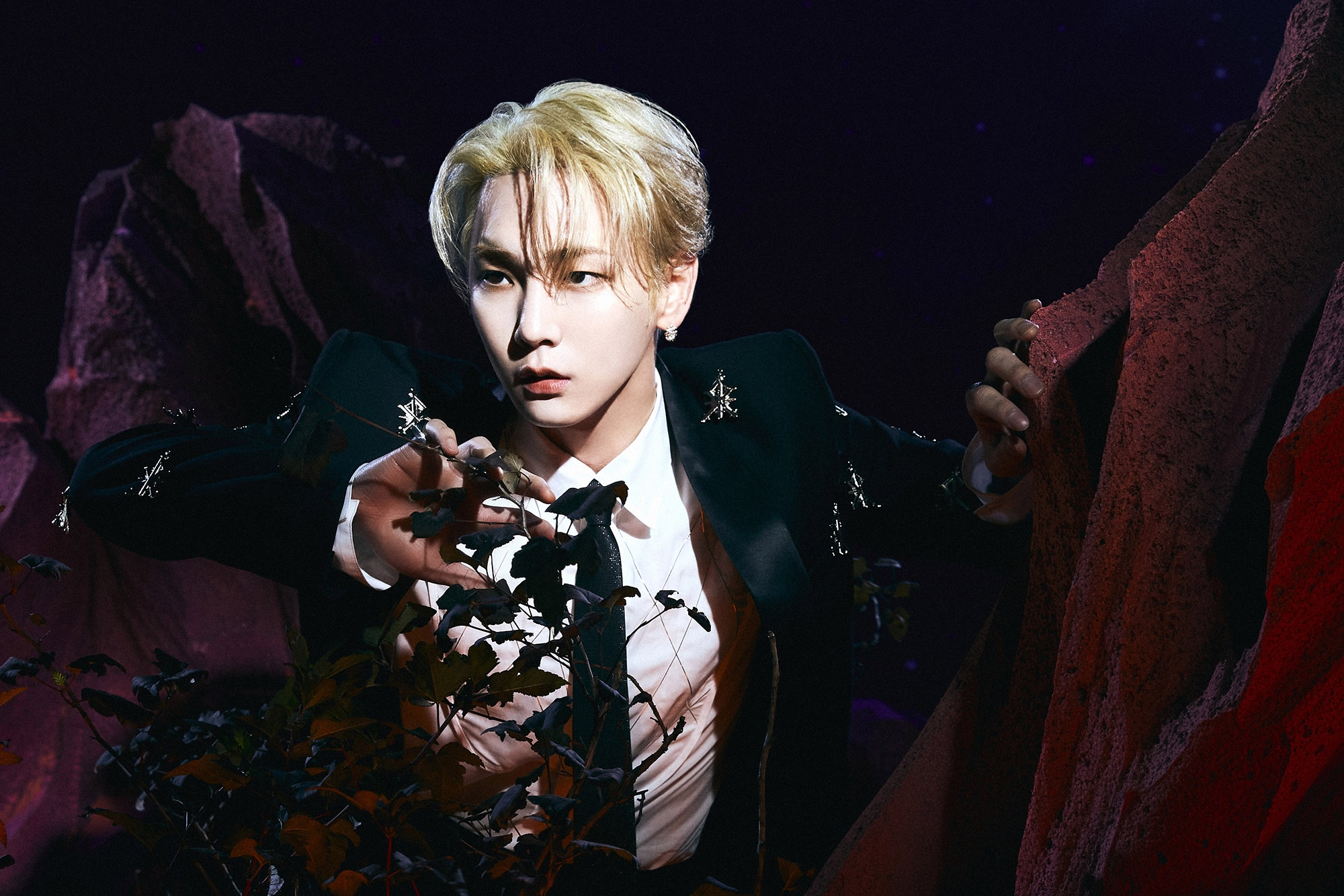 SHINee成员KEY参与新SOLO专辑两首收录曲作词!