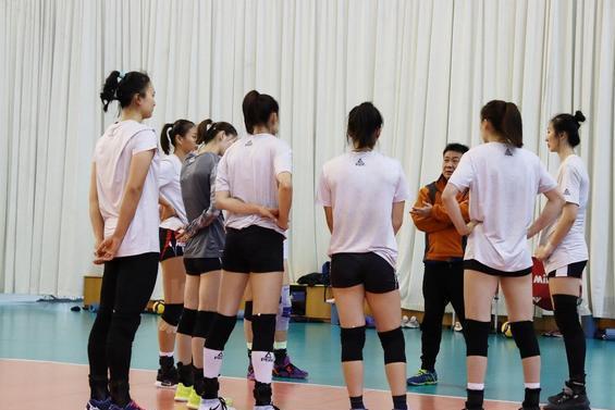 记者探访江苏女排训练场地,首发阵容基本确定,一人成超级替补