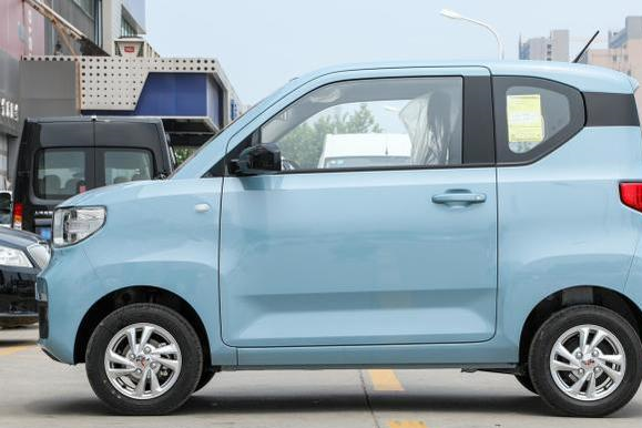 五菱又一爆款,新车大卖20150台,顶配3.88万,专为工薪族打造