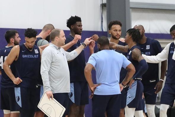 灰熊队在为保卫季后赛配额战时更新了球队的训练照片