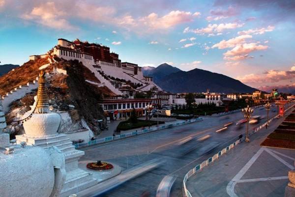 西藏成高考移民新高地 29万买房落户 420分上1本、985、211不是梦
