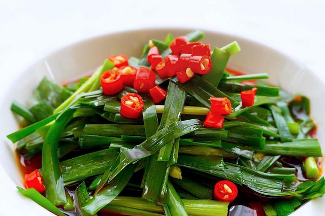 春天不能错过这道菜,营养丰富清肠道,拌一拌即可上桌