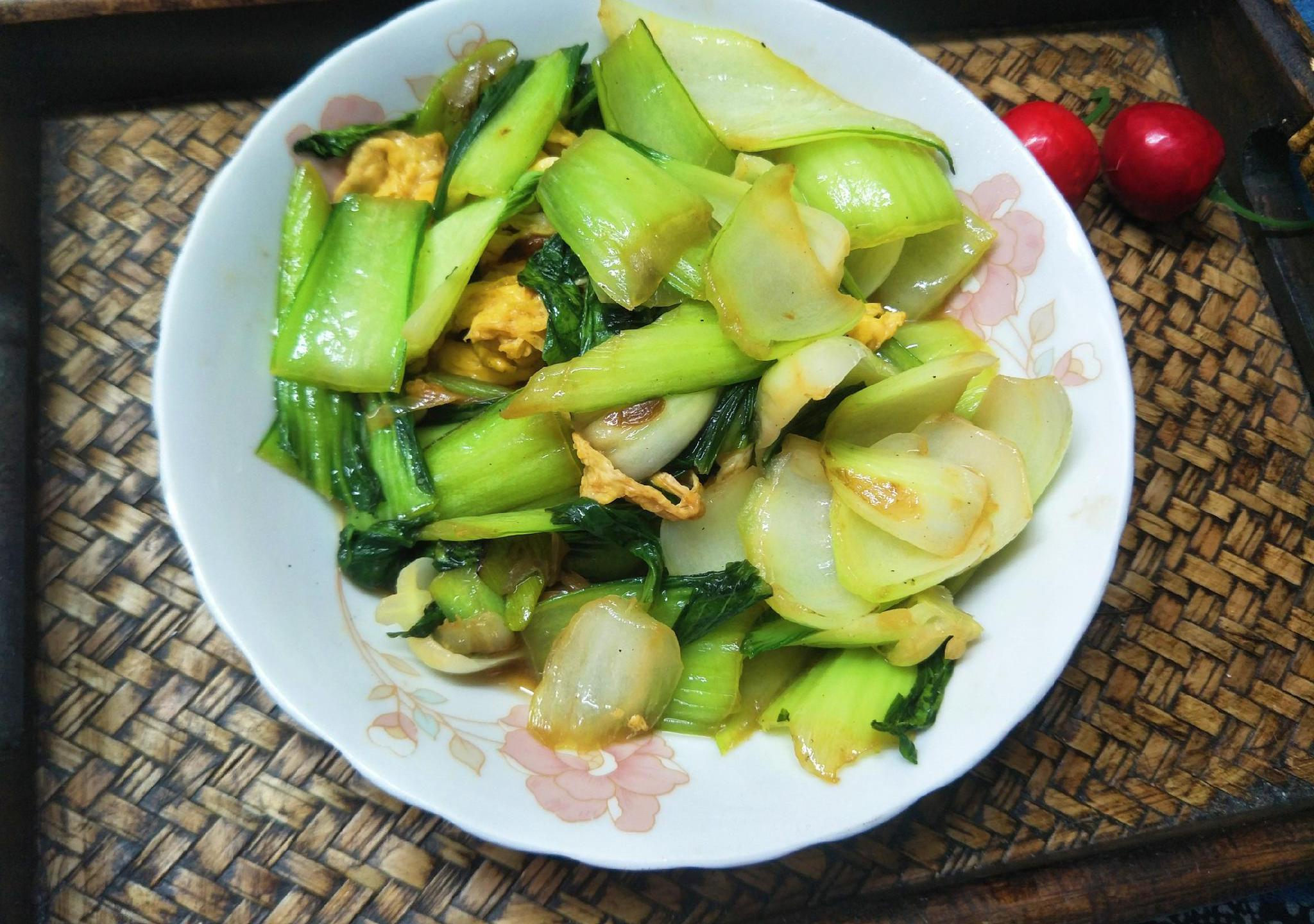 炒油菜时,怎样才能又翠又绿?教你1招,油菜清脆好吃