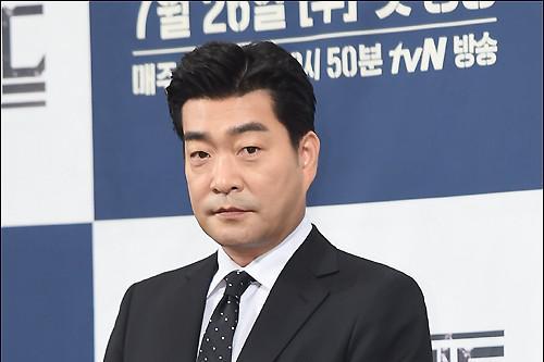 任时完孙贤周将携手出演网剧《tracer》