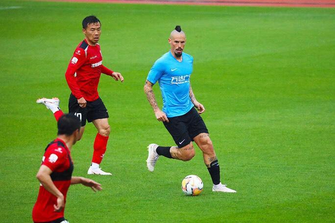 热身赛两连胜,大连人3: 0黑龙江FC,崔明安连续进球郑龙爆发