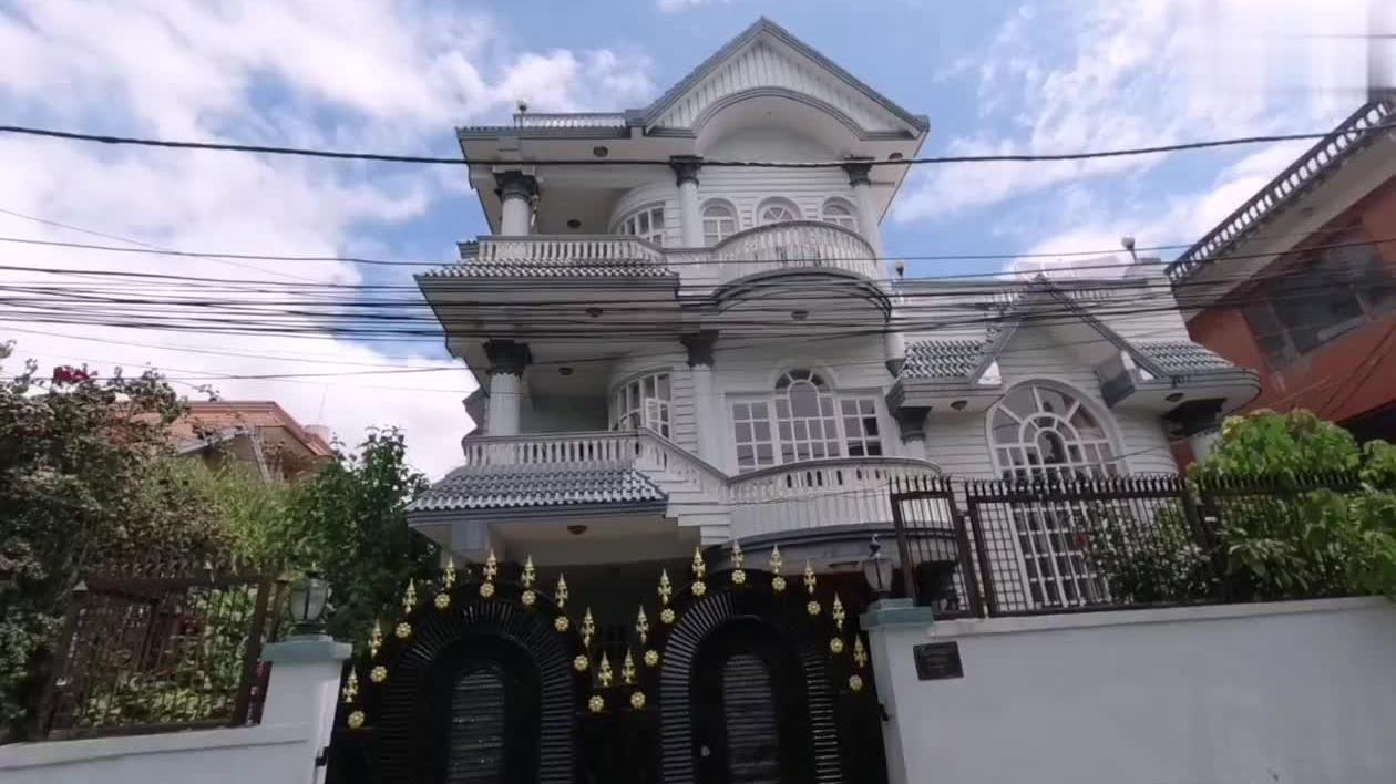 尼泊尔的房价高不高?在首都富人区租一个别墅住,没想到这么便宜