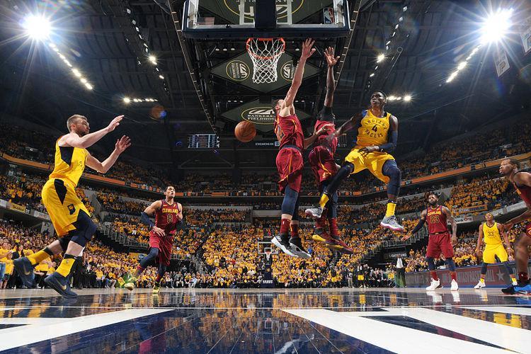 组建三巨头?NBA名记:奥拉迪波或成雄鹿追求目标