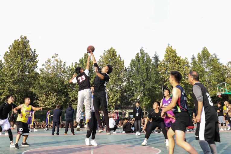 西安铁道技师学院校篮球赛火热开赛!