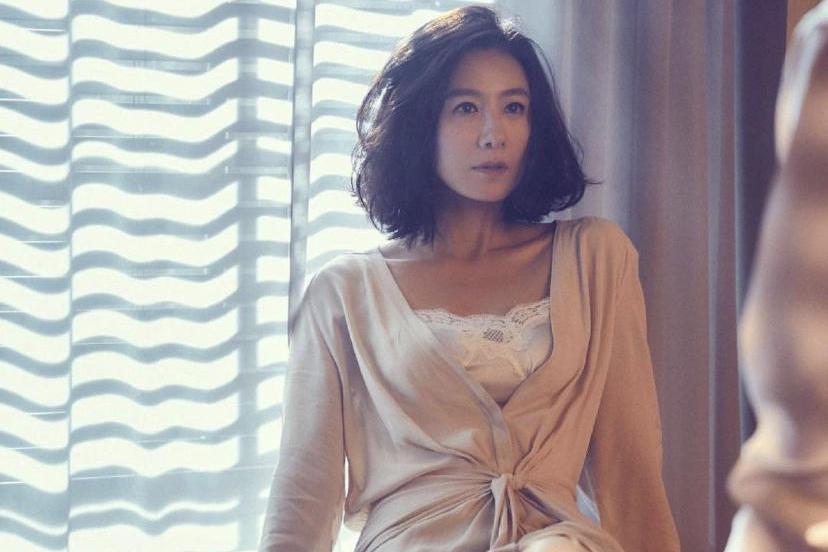 韩国盖洛普电视剧演员榜:玄彬孙艺珍上榜,金喜爱力压朴宝剑登顶