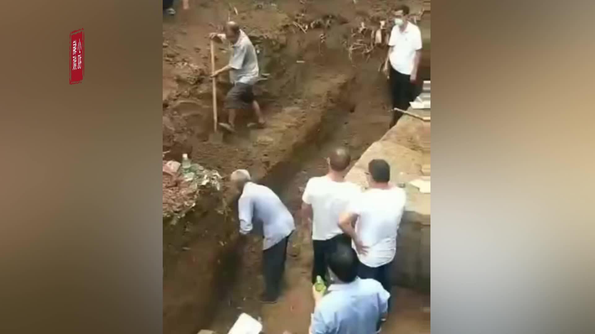 网传商丘民房旁挖出千年古墓 当地文化局:正在挖掘勘察