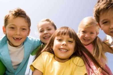 孩子乐观向上、自信的性格,不是天生的,后天的培养离不开这4点