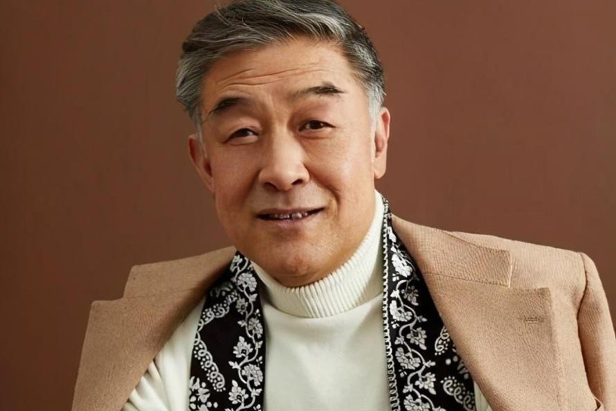 在国家层面演员李建义,21年不温不热,但晚年独自娱乐却很凄凉
