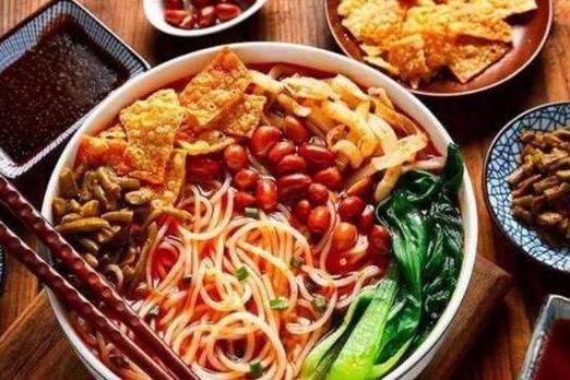 【旅游热点】李子柒柳州投资建厂 螺蛳粉再登8月广西美食榜首