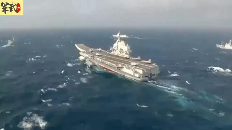 战斗力十足!国产航母山东舰新画面曝光,2架直8和7架歼15上甲板