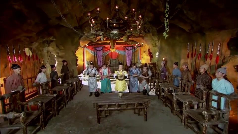 薛刚和吴奇等人结拜为兄弟,几人决定以九焰山为据点,反周扶唐