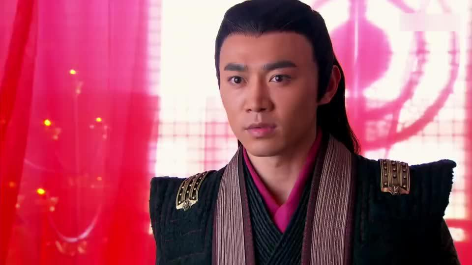 东方不败惊艳变身,一袭红衣的女装造型,看上去比女人还柔美!