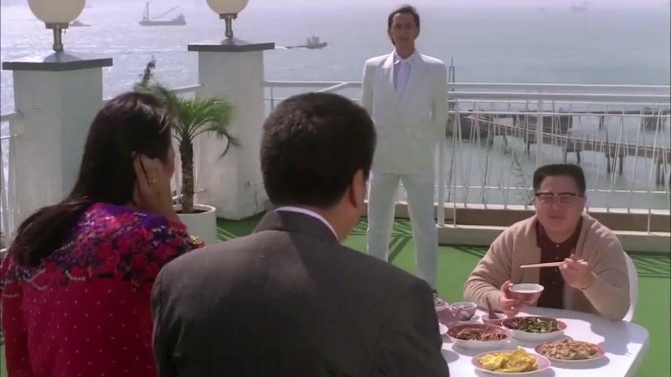 刘镇伟吃红烧肉,好导演也是好演员,表情太嚣张了!
