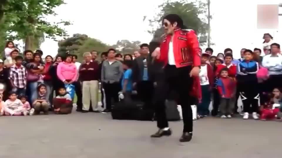农村小伙苦练十年模仿迈克尔杰克逊,不知道的还以为MJ复活了呢