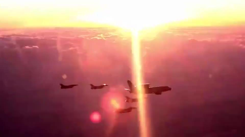 实拍韩国F-16战斗机,护卫E-737预警机,预警机这么重要吗?