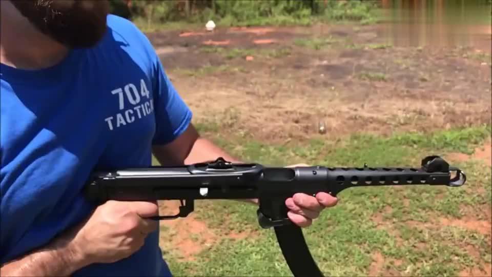波兰PPS-43式冲锋枪,性能非常出色,老外对它爱不释手!