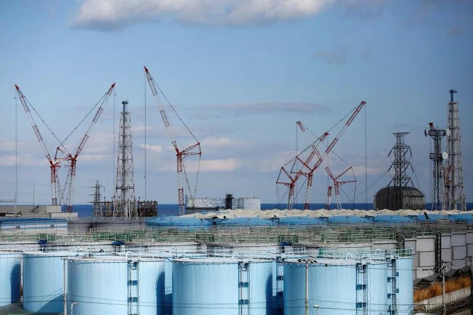 """日本政府决定将123万吨核污水排入太平洋,自称""""危害小""""?"""