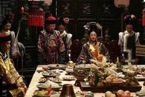 古代御膳房有多浪费?明清宫廷一顿饭,吃掉普通人家300年收入