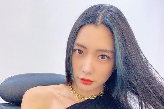 韩女星Clara社交网站发照 身材丰满曲线毕露