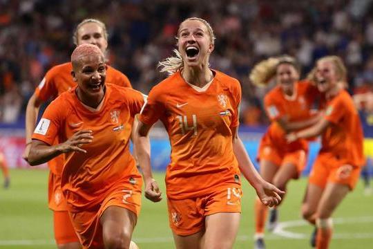 中国女足对手踢疯了,KO世界第2+亚洲第1,或力压美国夺冠