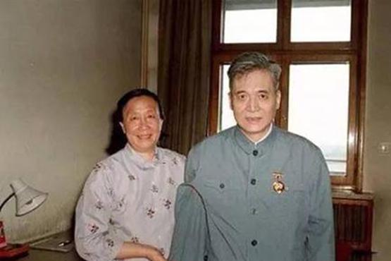 """""""两弹一星""""邓稼先逝世已33年,2个子女现状如何"""