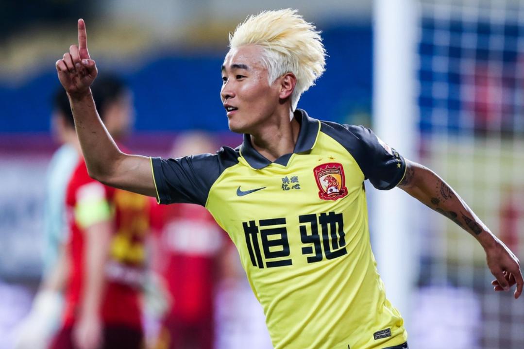 广州恒大足球队球员韦世豪当选为中超联赛第15轮最佳球员