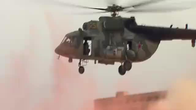 俄罗斯军队突然动武,白宫提醒撤退已来不及,300多人无人生还