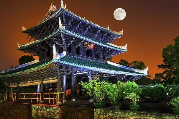 400年来从未修葺的容县真武阁,凭什么比不上其他三大名楼?