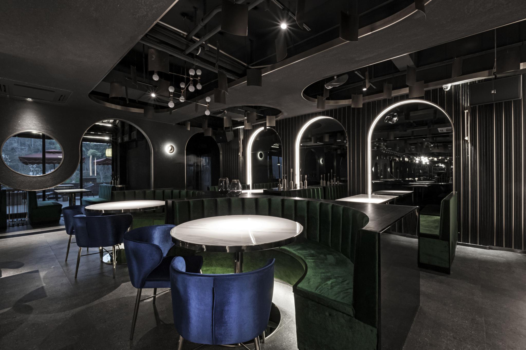 刘攀作品:500㎡中式餐酒吧,创意民国风,穿梭时代的神秘感
